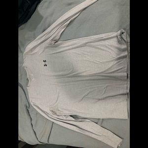 Long sleeve under armory T